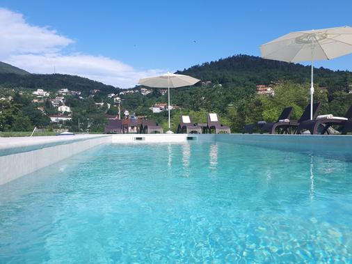Guest House Stancija Kovacici - Opatija - Pool