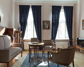 Chopin Boutique B&b - Warsaw - Living room
