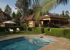 Ahadi Lodge - Arusha - Piscine