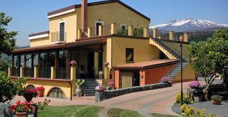 Feudogrande - Fiumefreddo di Sicilia - Edificio