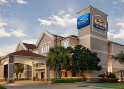 Baymont by Wyndham Clute - Clute - Building
