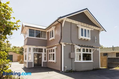 Homelea Bed and Breakfast - Christchurch - Building
