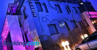 Hotel Ramka & Restaurant & Wine Bar - Poznan - Building