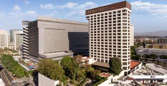 DoubleTree by Hilton Los Angeles Downtown - Los Angeles - Building