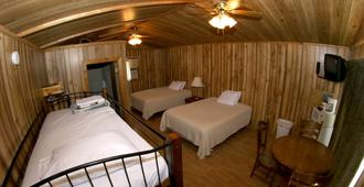Rush No More RV Resort and Cabins - Campground - Deadwood - Bedroom
