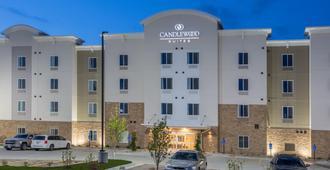 Candlewood Suites Omaha - Millard Area - Omaha - Building