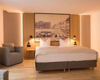 Hotel Bayerischer Hof - Erlangen - Bedroom