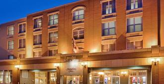 Hampton Inn Deadwood at Tin Lizzie Gaming Resort, SD - Deadwood - Rakennus