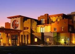 Moenkopi Legacy Inn & Suites - توبا ستي - مبنى