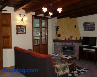 Apartamentos La Condesa - Potes - Living room