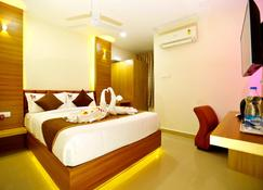 Hotel Kek Grand Park - Pallāvaram - Bedroom