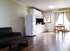 Saipan Family Residence - Гарапан - Гостиная
