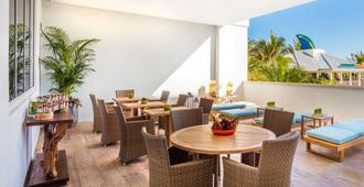Margaritaville Hollywood Beach Resort - Hollywood - Σαλόνι