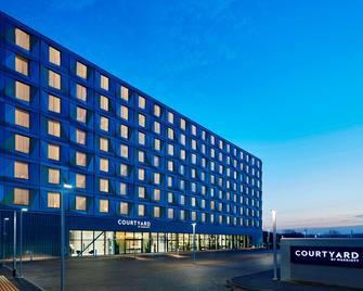 Courtyard by Marriott Luton Airport - Luton - Gebäude