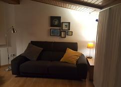 Estudio Atico Ourense - Ourense - Living room