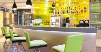 博訥中心宜必思尚品酒店 - 波恩 - 波納山坡 - 酒吧