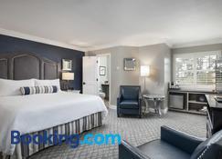 Candle Light Inn - Carmel-by-the-Sea - Bedroom