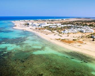 杰爾巴島西貝爾萊姆海灘酒店 - 米敦 - 米多恩 - 海灘