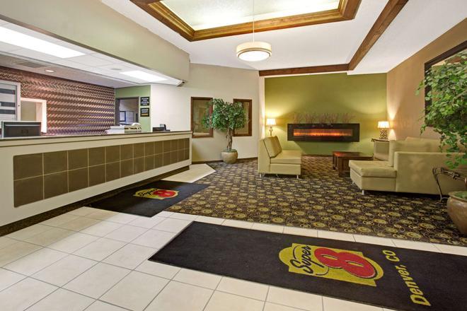 Super 8 by Wyndham Wheat Ridge/Denver West - Wheat Ridge - Lobby