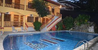 Hotel Tres Banderas - Manuel Antonio - Pool
