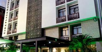 Vida Plaza Hotel - Núcleo Bandeirante - Building