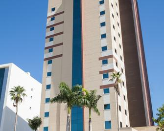 Delmond Hotel - Куяба - Building