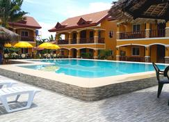 Slam's Garden Dive Resort - Daanbantayan - Pool