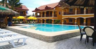 Slam's Garden Dive Resort - Daanbantayan - Pool