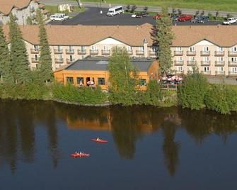 Pike's Waterfront Lodge - Fairbanks - Κτίριο