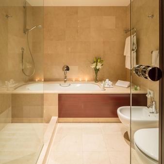 NH Collection A Coruña Finisterre - La Coruña - Bathroom