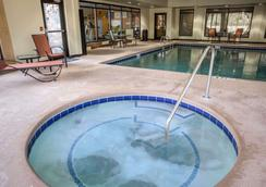 Comfort Suites - New Bern - Uima-allas