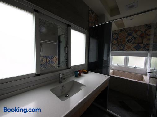 Oia Cafe B&B - Taitung City - Bathroom