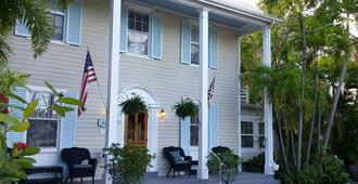Westwinds Inn - Key West - Building