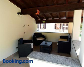 La Mansarda Sul Lago - Lezzeno - Living room