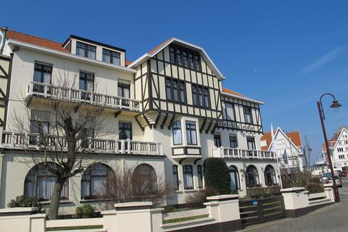 萬卡提森特瑞姆茲林德飯店 - 德哈恩 - 建築
