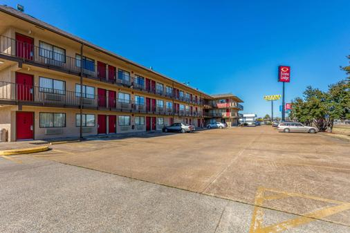 Econo Lodge - West Memphis - Building