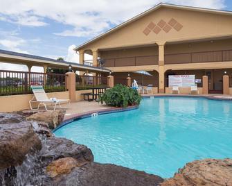 Best Western Angleton Inn - Angleton - Pool