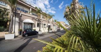 Hotel La Bussola - Milazzo - Rakennus