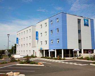 Ibis Budget Chalon Sur Saone Nord - Chalon-sur-Saône - Building