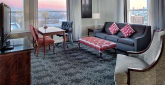 Embassy Suites by Hilton Portland Downtown - Portland - Living room