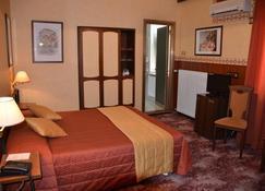 Hotel Milano - Triest - Schlafzimmer