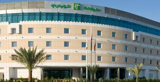 Holiday Inn Muscat Al Seeb - מוסקט