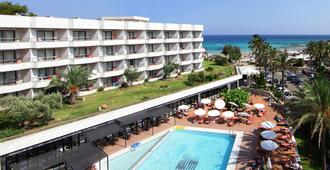 Hotel Serrano Palace - Cala Ratjada - Beach