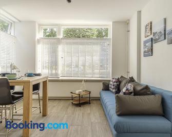 Holiday's & Short-Stay Katwijk - Katwijk - Living room
