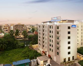 Howard Johnson by Wyndham Kolkata - Kolkata - Building