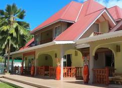 Villa Authentique - La Digue Island - Building