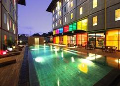 Pop! Hotel Festival Citylink - Bandung - Bandung - Pool