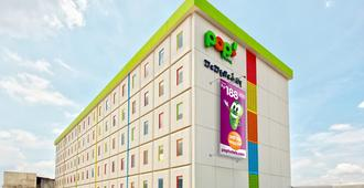 Pop Citylink Hotel Bandung - Bandung - Building