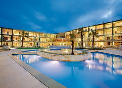 Wyndham Resort Torquay - Torquay - Pool