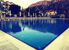 Murat Apart Hotel - İçmeler - Bể bơi